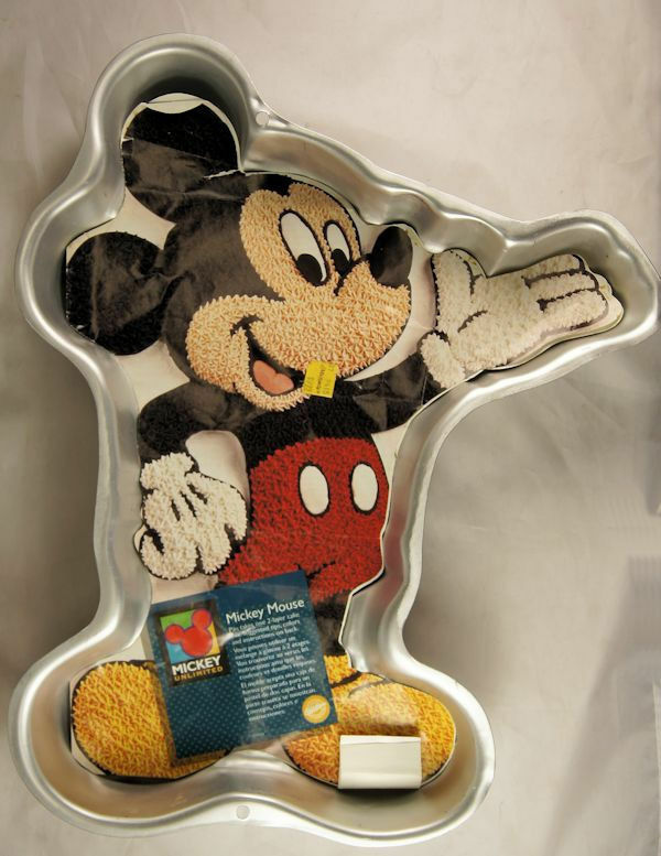 mickey mouse cake pan mickey mouse cake pan with 2 page insert from wilton 3601 5879