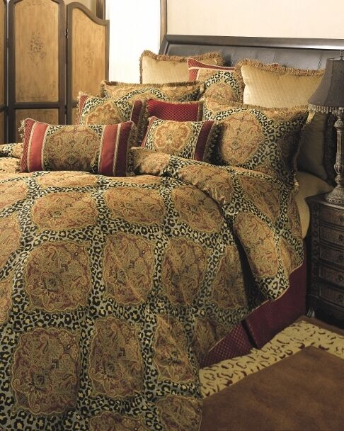 4pc Designer Brown Gold Damask Animal Print Comforter Set