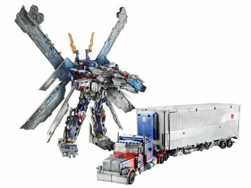Hot Transformers SDCC Dark Of The Moon Ultimate Optimus