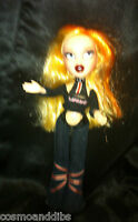 BRATZ KIDZ CLOE - BLONDE ORANGE HAIR  LONDON  TOP JEANS AND BOOTS