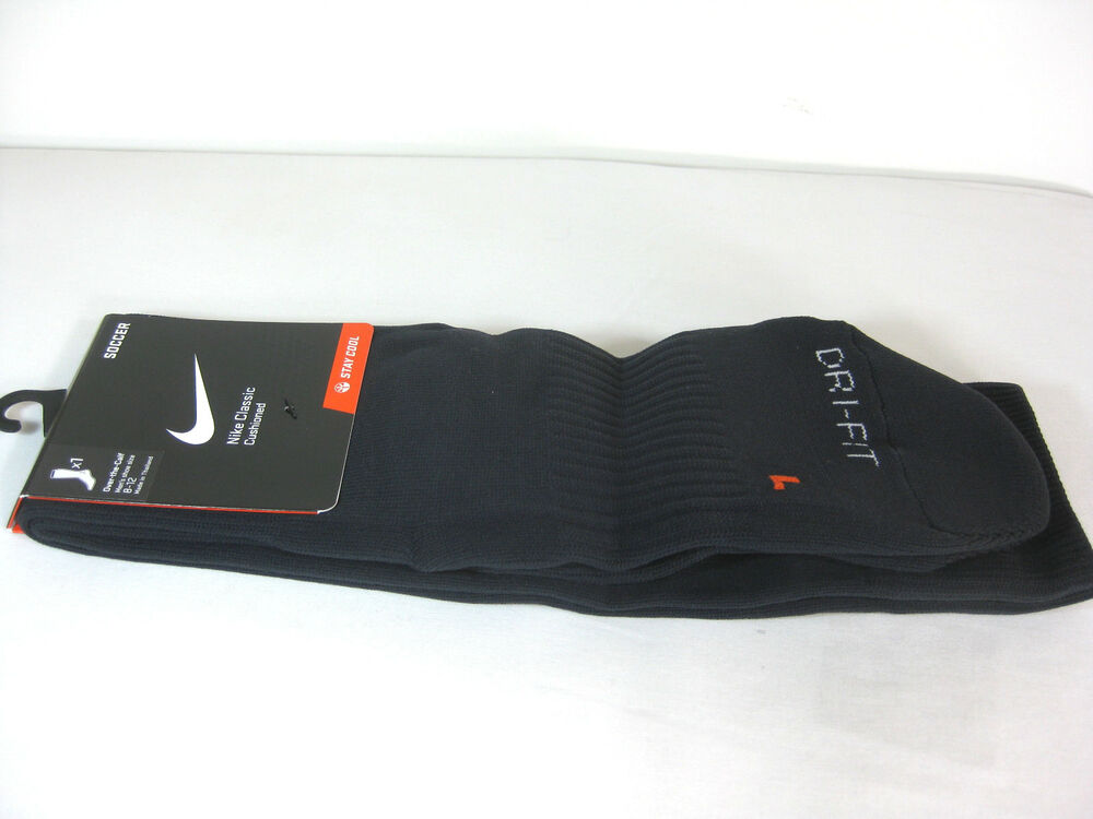 nike classic cushioned soccer socks black white sx4120. Black Bedroom Furniture Sets. Home Design Ideas