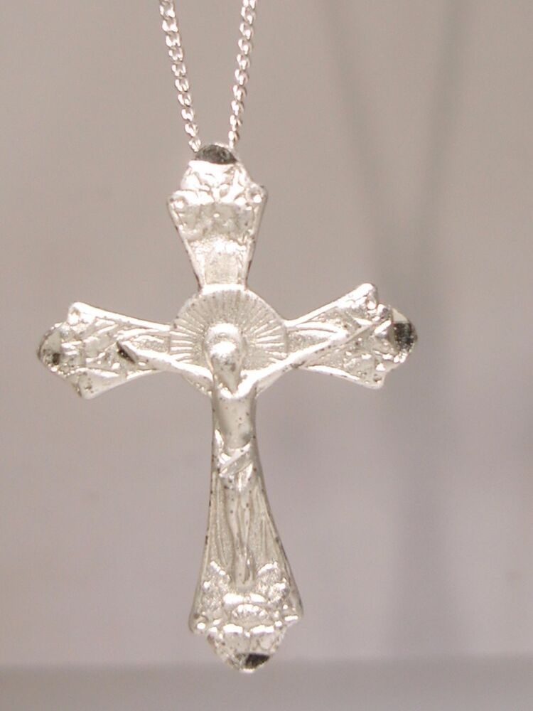 beautiful vintage sterling silver crucifix cross pendant. Black Bedroom Furniture Sets. Home Design Ideas