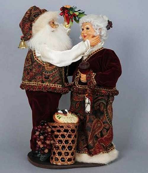 WINE SANTA AND MRS CLAUS UNDER THE