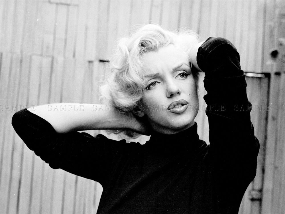 marilyn monroe the blonde bombshell The blond bombshell takes a trip to a war zone february 1954 marilyn monroe in korea the blonde bombshell visits a war zone.