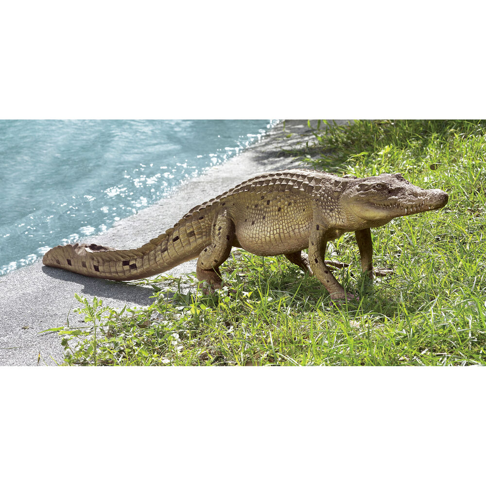 florida gator walking alligator sculpture home garden pond crocodile grand scale ebay. Black Bedroom Furniture Sets. Home Design Ideas