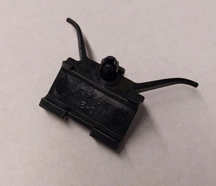 Cadillac Gm Oem 92 02 Eldorado Door Body Side Lower Molding Clip 3548693 Ebay