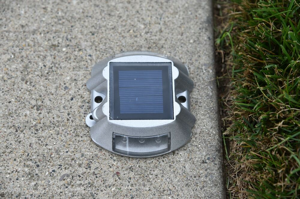 6 Solar LED Pathway Driveway Lights/ Dock Path/ Road