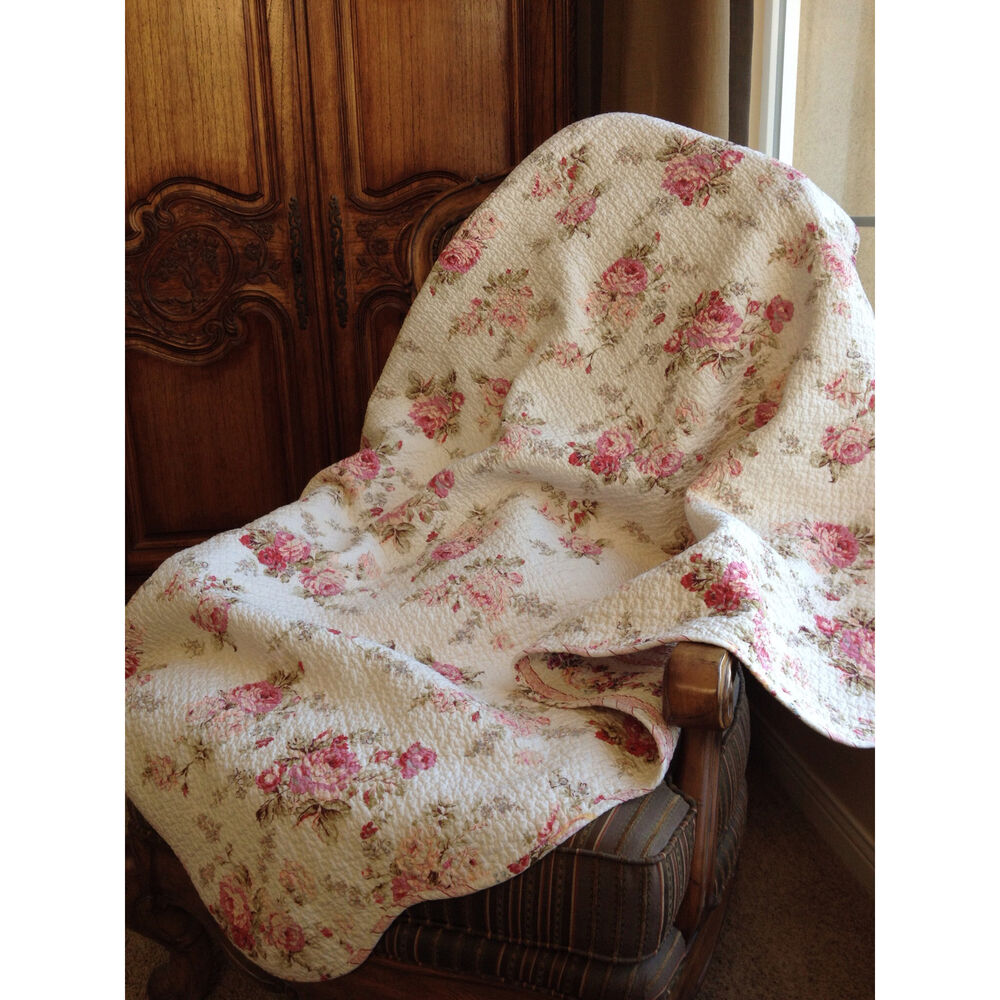 chic shabby spring rose quilted throw ebay. Black Bedroom Furniture Sets. Home Design Ideas