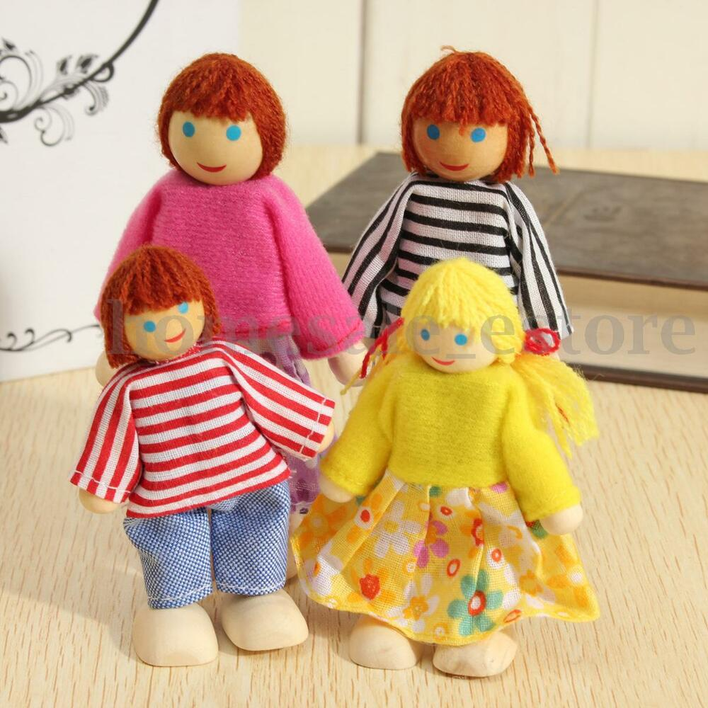 4pcs Cute Wooden People Happy Family Dolls Miniature Set