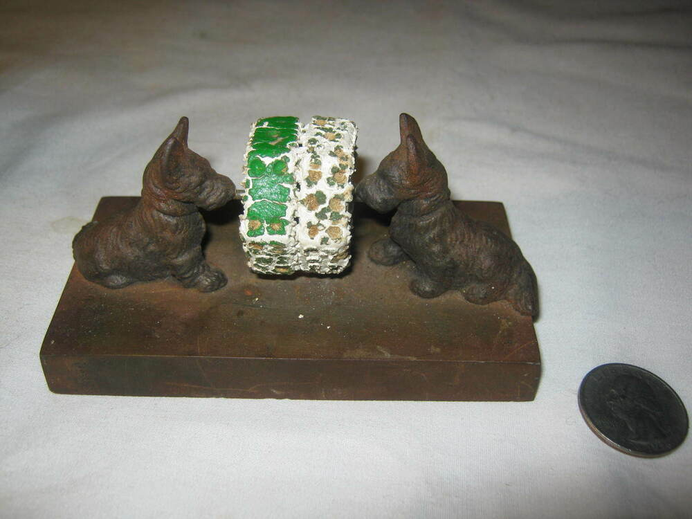Antique Hubley Cast Iron Scotty Terrier Dog Bar Toy Dice