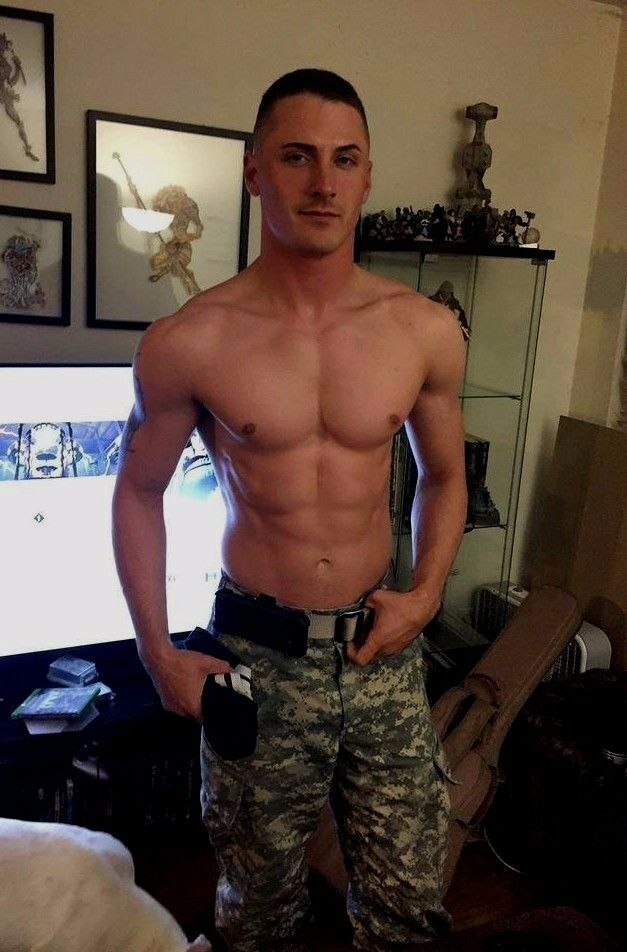 Shirtless Male Muscular Beefcake Military Man Great Abs -6927
