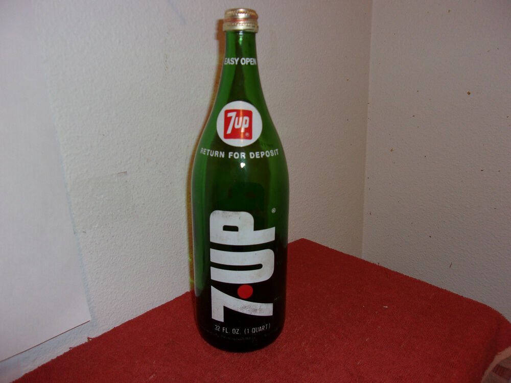 Vintage 7up Green Glass 32 Oz Soda Return For Deposit