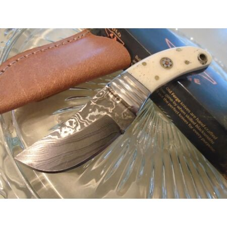 img-Couteau Damas Old Forge Skinner Lame 256 Couches Manche Os Etui Cuir OF037