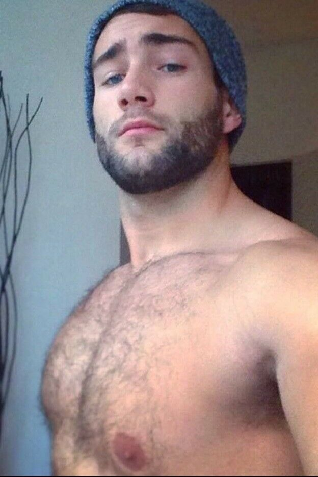 Shirtless Male Beefcake Hairy Chest Beard Handsome Dude -8523