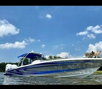2018 CONCEPT 32 CC TWIN MERC 350'S LOW HOURS LOADED EVERY OPTION WITH TRAILER