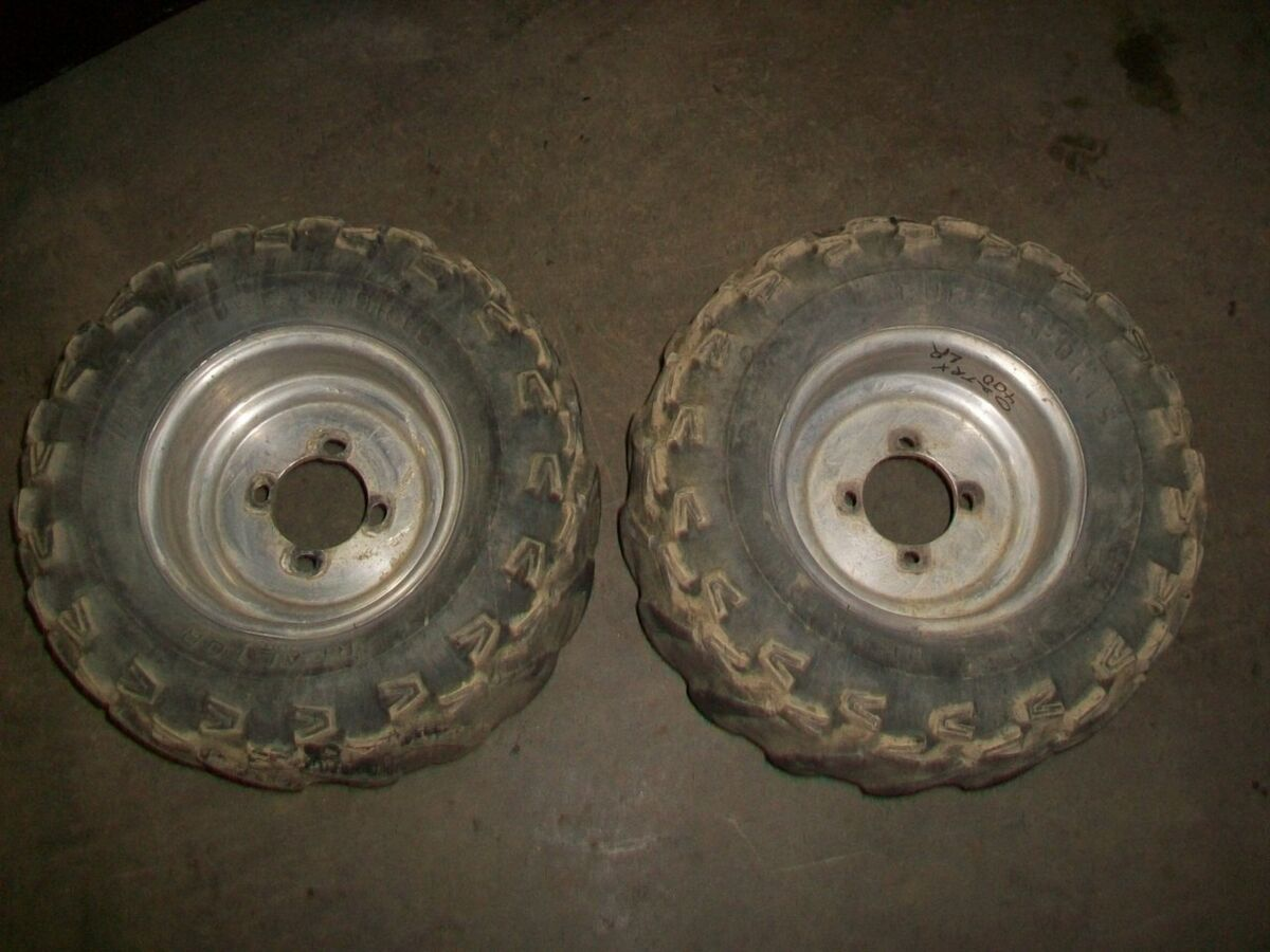 02 Honda TRX 400 EX Rear Wheel Rims w Tires UT3