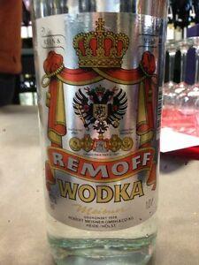 1-0l-Liter-Vodka-aus-Zollbeschlagnahmung-reiner-Getreidevodka-mit-geiler-Story