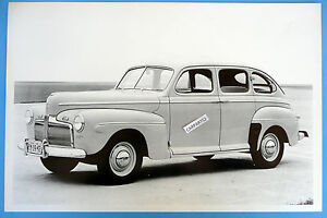 12 By 18 Quot Black White Picture 1942 Ford 4 Door Sedan Super