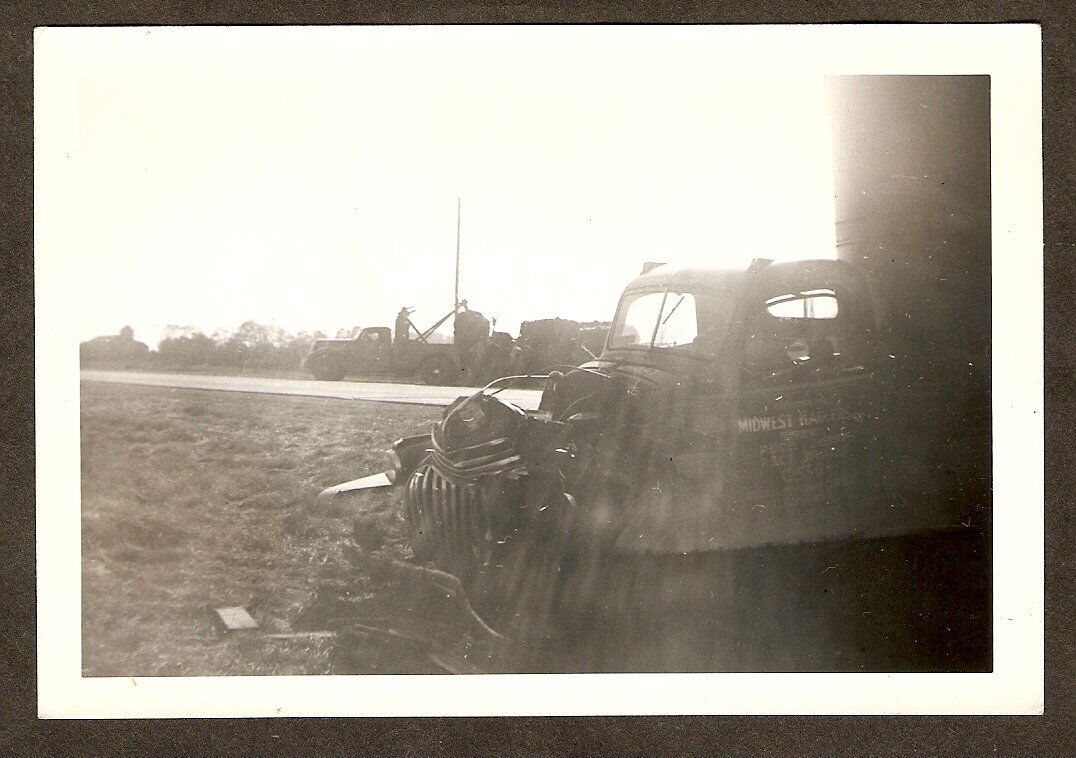 1941 Original Photo SEMI TRUCK Wreck TOW TRUCK WRECKER Indiana Midwest