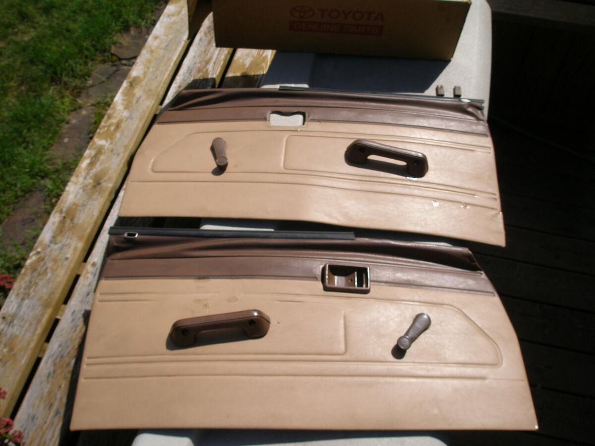 1984 1985 1986 1987 1988 Toyota Pickup Truck 22R 22RE Door Panels Hardware