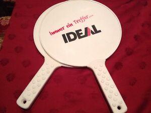 2-Schlaeger-fuer-Softballspiel-Beachball-mit-Werbung-Ideal-Wasser-Tennis-Wass