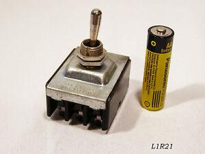 2-Stueck-Kippschalter-IHP-1-2-oder-3-PH-250VAC-10A-Neuware