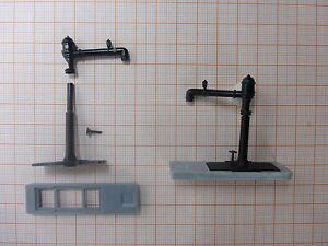 2-x-Wasserkran-mit-schwenkbaren-Arm-fuer-Dampfloks-TT-als-Bausatz