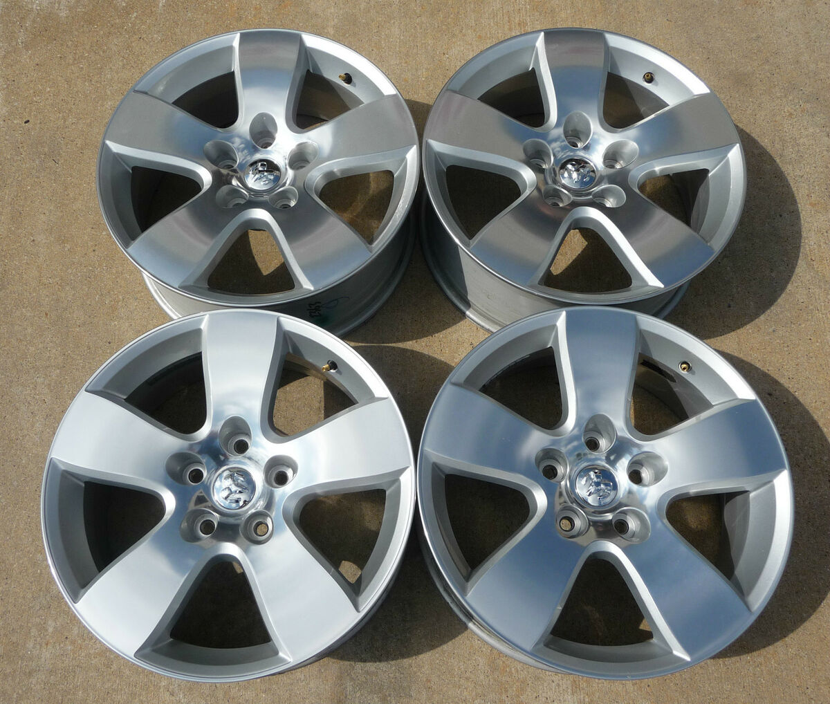 2013 Dodge RAM 1500 20 Factory Alloy Wheels with Caps 2363