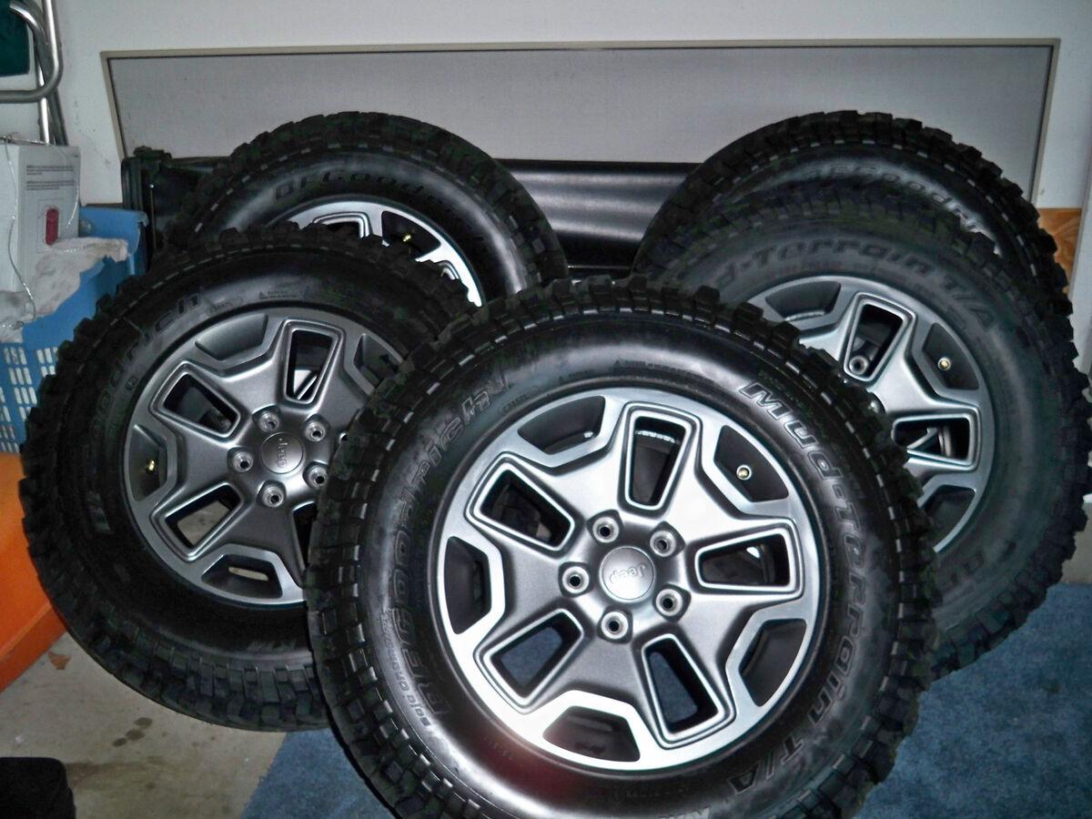 "2013 Jeep Wrangler Rubicon 17"" Factory OE Wheels Tires BF Mud Terrain 255 77R17"