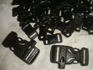 Curved Whistle Buckle http://www.ebay.com/itm/50X-3-8Curved-plastic-Buckle-for-Paracord-Bracelet-2-Whistle-Buckle-/251032019669