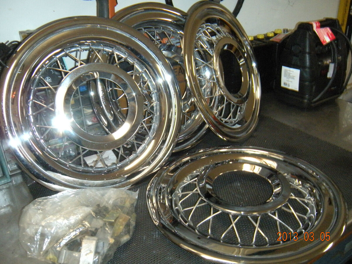 55 56 57 Ford Simulated Wire Wheel Hubcaps Thunderbird Fairlane