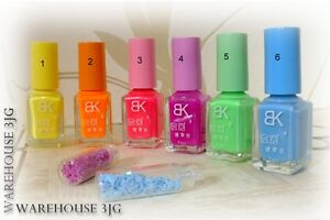 7-ml-Nagellack-mit-Leuchteffekt-Neon-leuchtet-im-Dunkeln-UV-floureszierend-glow