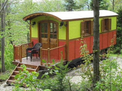 9 x 21 Mobile Guest House Cottage Trailer Caravan Ideal rental unit w/bathroom in Real Estate, Manufactured Homes | eBay