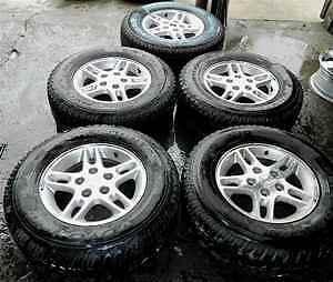 99 00 Grand Cherokee Set of 5 Alloy Wheels Rims Tires
