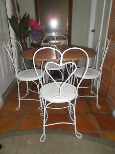 ICE CREAM PARLOR BISTRO DINING ROOM TABLE 4 CHAIRS HEART DESIGN