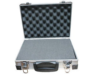 aluminium koffer mit schaumstoff allzweckkoffer universalkoffer werkzeugkoffer ebay. Black Bedroom Furniture Sets. Home Design Ideas