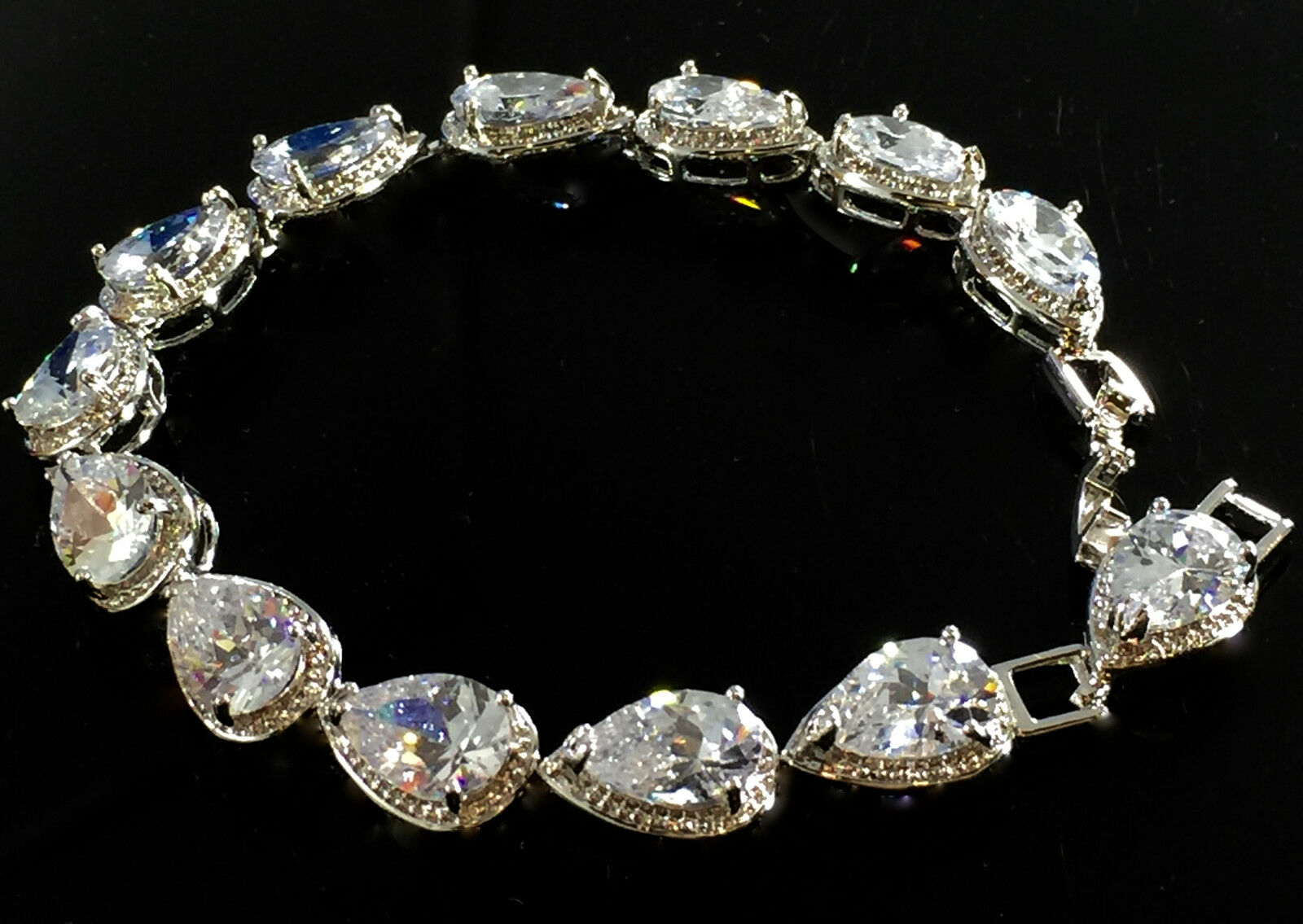 14k White Gold Tennis Bracelet Made W Swarovski Crystal