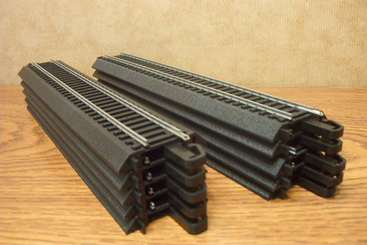 Ho scale train track layouts