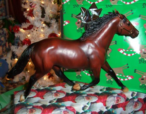 "BREYER MOLDING CO. TRADITIONAL SIZED BAY PACER ""DAN PATCH"" MODEL RACEHORSE in Collectibles, Animals, Horses: Model Horses 