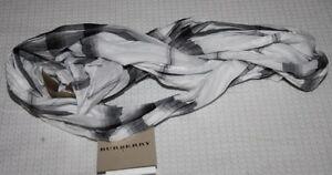 burberry neu leichter schal tuch wei schwarz kariert ebay. Black Bedroom Furniture Sets. Home Design Ideas