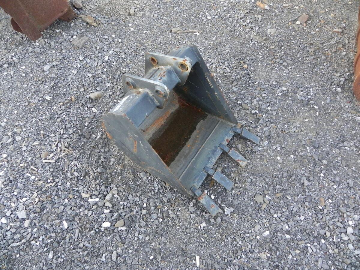 Bobcat 18 6TB Compact Tractor Loader Backhoe Attachment Bucket