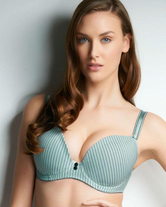 similar galleri... Q Cup Breasts