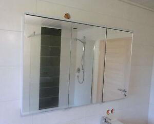 burgbad eqio spiegelschrank 120cm led beleuchtung spgs120 ebay. Black Bedroom Furniture Sets. Home Design Ideas