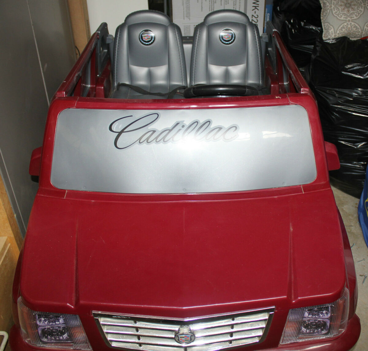 CADILLAC ESCALADE POWER WHEELS RIDE ON CAR   BEAUTIFUL BURGUNDY COLOR