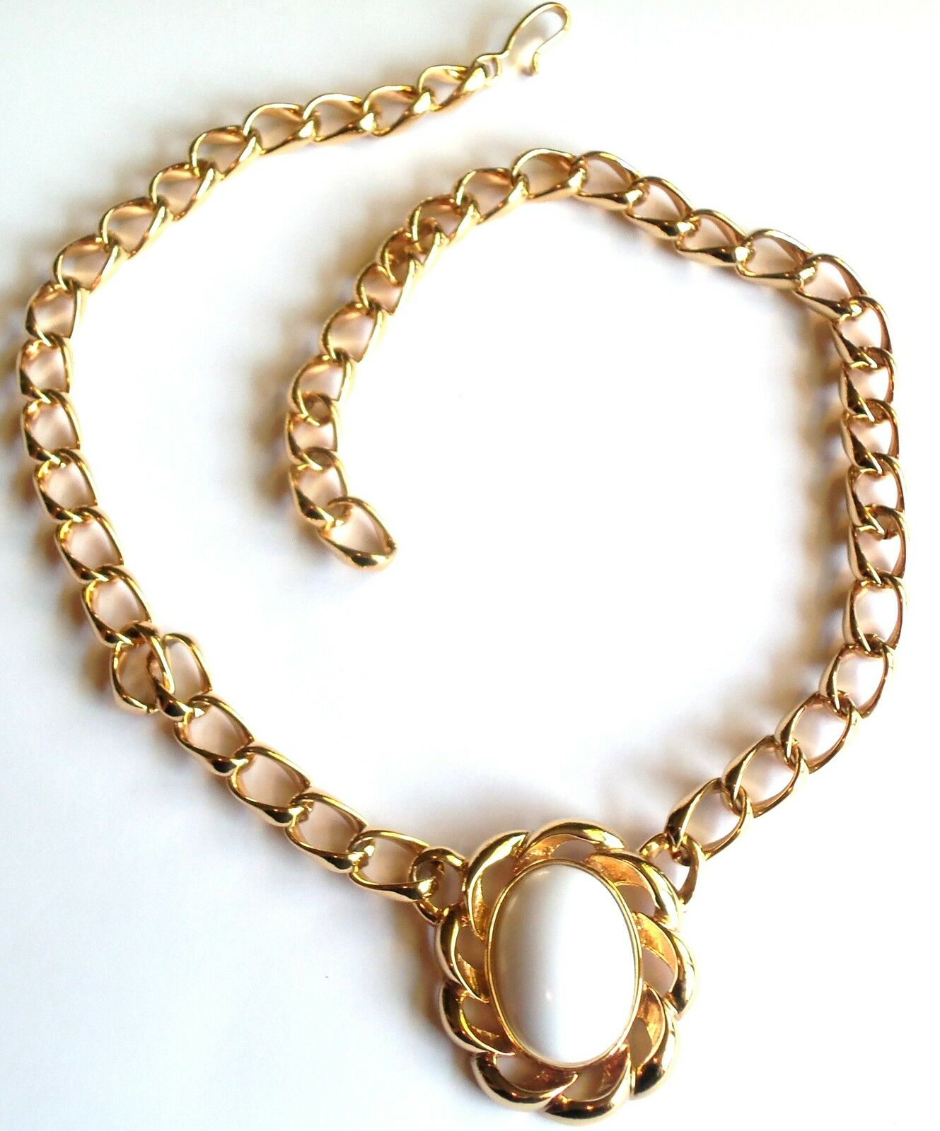 chic monet heavy gold plated chunky chain necklace white