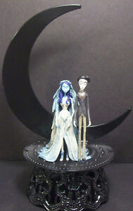 corpse bride wedding cake topper corpse amp victor wedding cake topper half moon tim 12953