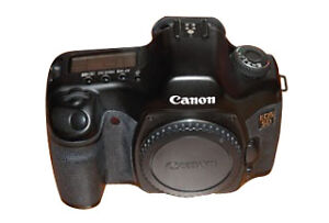 Canon EOS 12,8 MP Digitalkamera - Schwar...