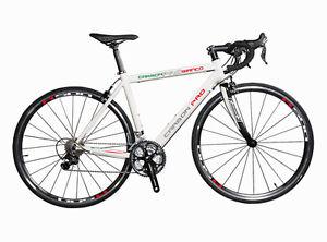 Carbon-Pro-Bianco-Basisrad-Rennraeder-Shimano-ULTEGRA-105-Triple-hier-ab-1-uro