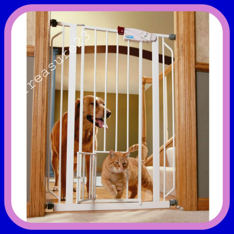 Carlson Extra Tall Walk Thru Baby Gate with Pet Door