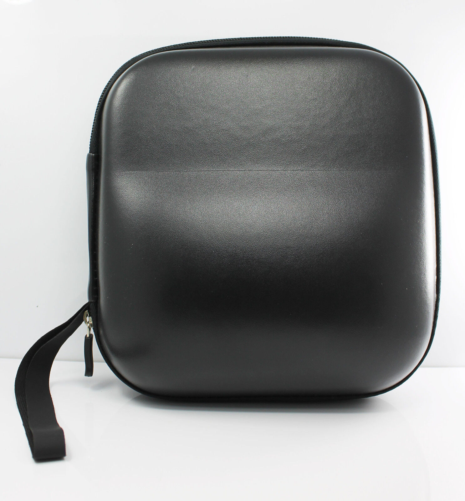 carrying hard leather case for over ear headphones full. Black Bedroom Furniture Sets. Home Design Ideas